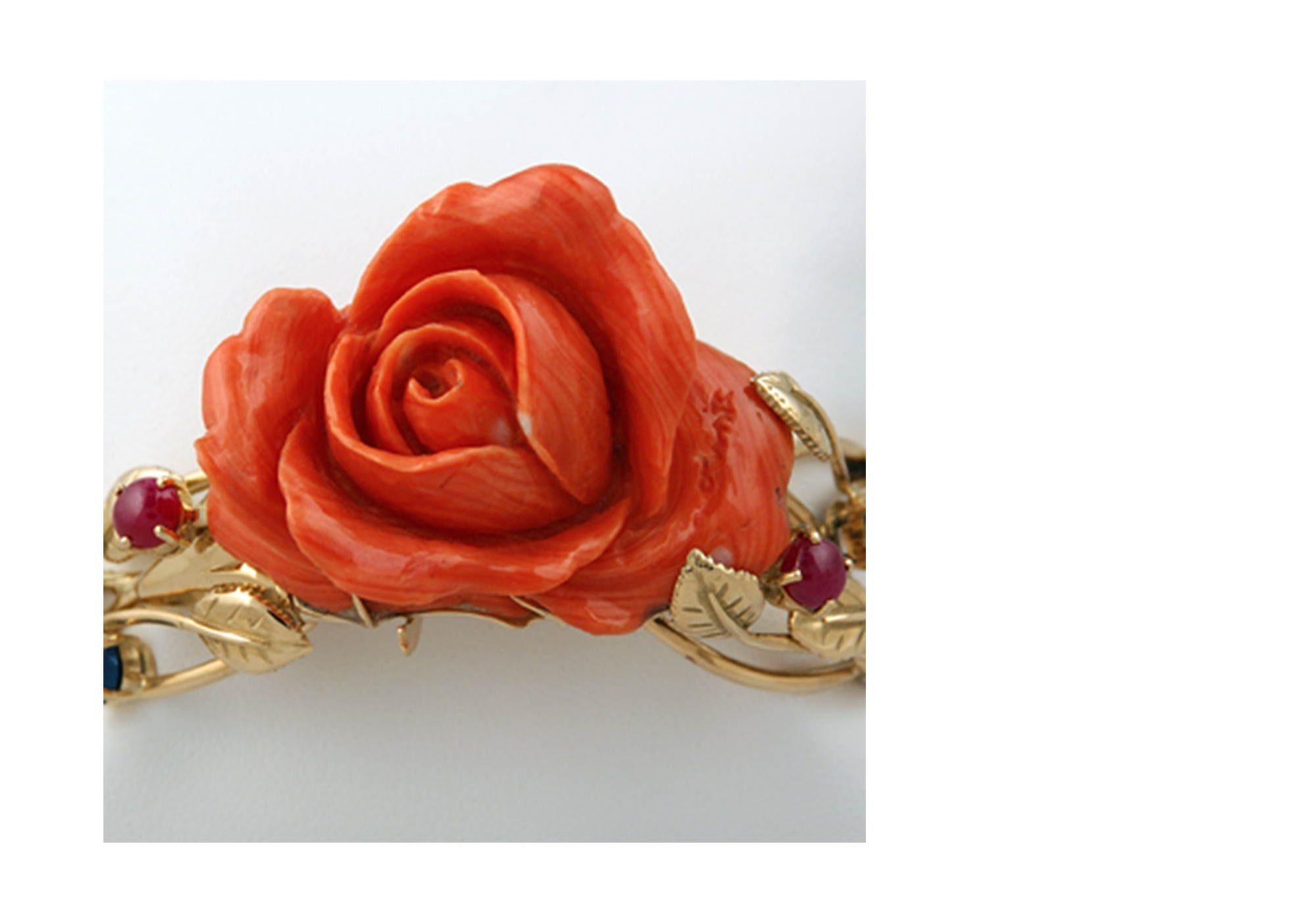bracelet or pierres et rose de corail rouge