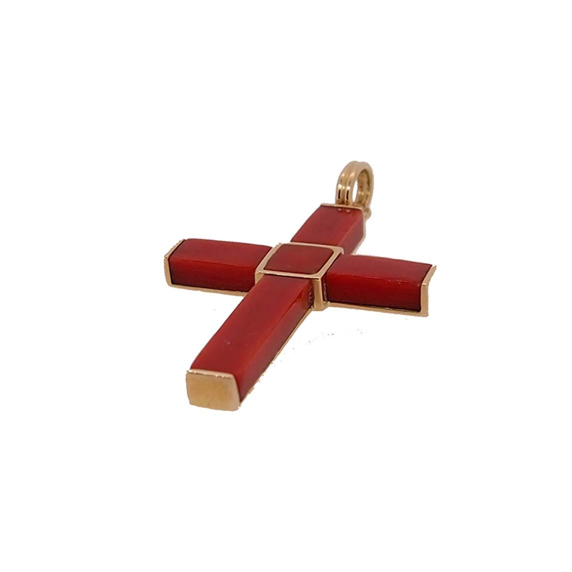 pendentif croix or jaune et rectangle en corail rouge de méditerranée
