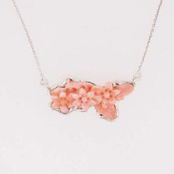 tour de cou argent et fleur corail rose du Japon