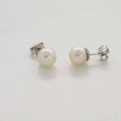 boucles d'oreilles or blanc 18 perles akoya