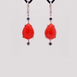 Boucles d'oreilles or blanc 18 k cabochon goutte corail rouge de méditerranée corse